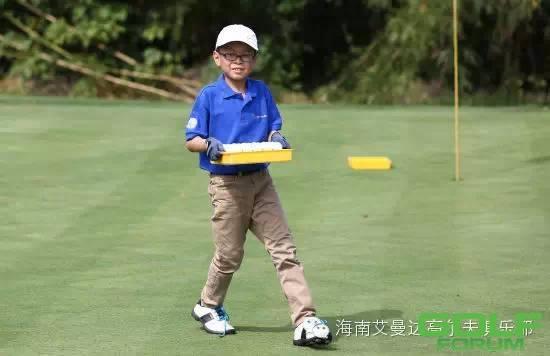 奔驰青少年高尔夫训练营成都站明日之星蒋天耀